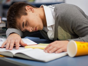 sleeping_teen_student_800x600